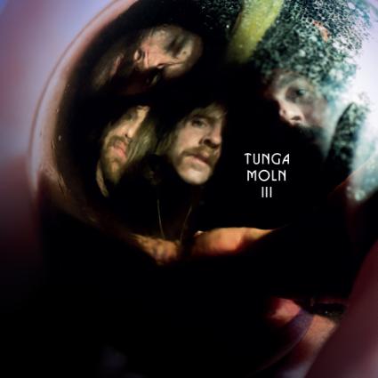 Tunga Moln – III