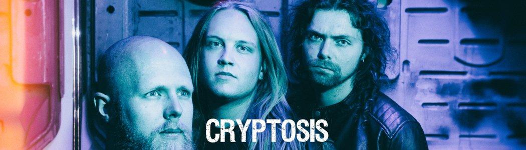 Ménage à Trois met Cryptosis
